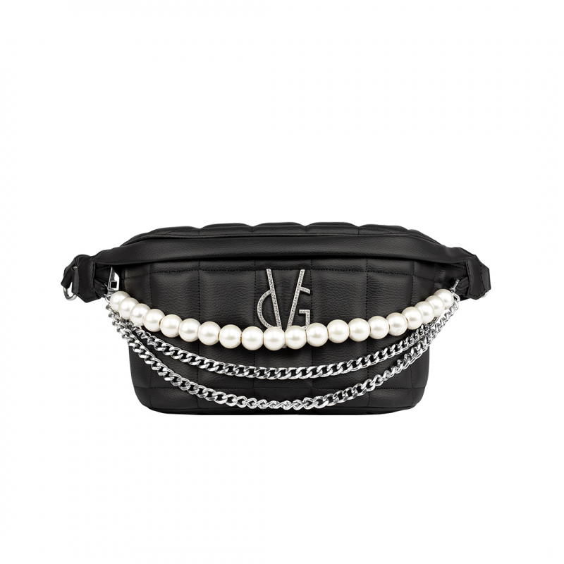 VG black quilted pouch with chain and pearl decoration
