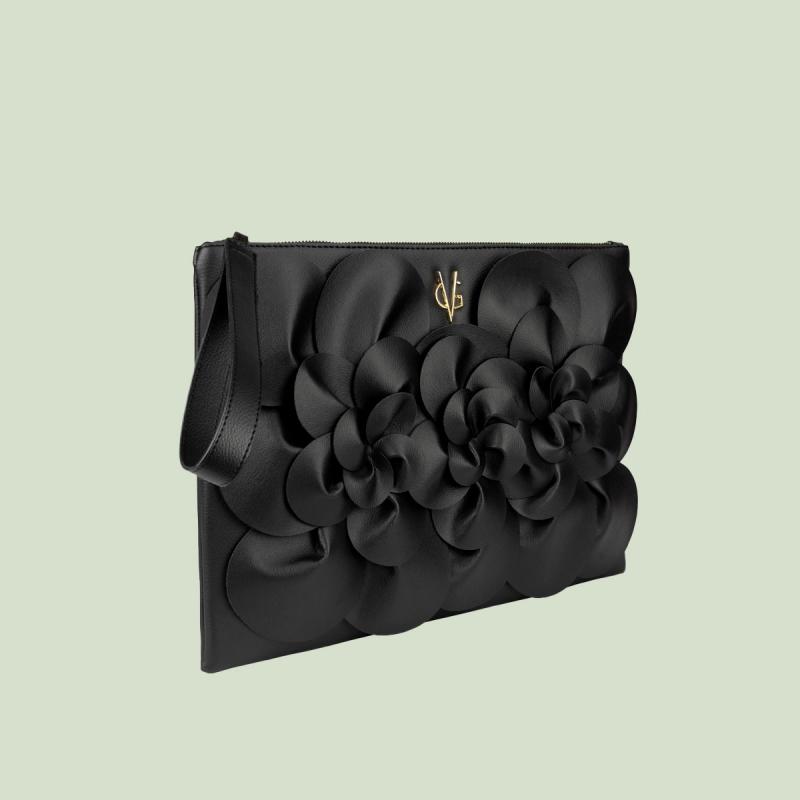 VG black clutch camelia